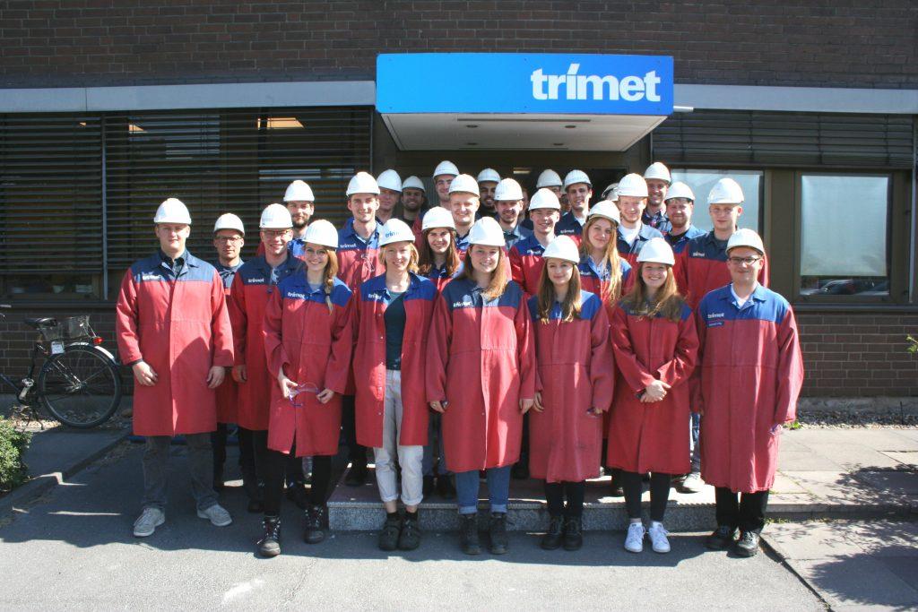 Exkursionsteilnehmer im Werk der Trimet Aluminium SE